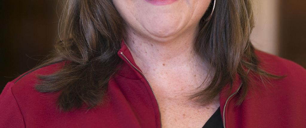 Sarah Bass headshot